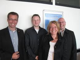 Gerrit Michaelis, Stefan Loske, Heike Simmet und Hansjörg Troebner im Labor Marketing und Multimedia (MuM) - Projekt OSC