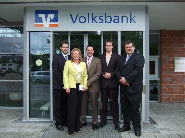 Präsentation beim Vorstand der Volksbank Cuxhaven - Ein Projekt aus dem Labor Marketing und Multimedia (MuM) an der Hochschule Bremerhaven